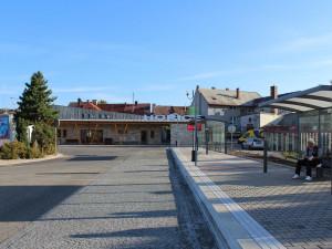 V Hořicích se otevře autobusové nádraží a nová odbavovací hala. Do úplně všech prostor bude možné nahlédnout jen zítra