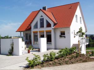 Sněmovna stvrdila konec daně z nabytí nemovitostí. Zanikne zpětně k letošnímu 31. březnu