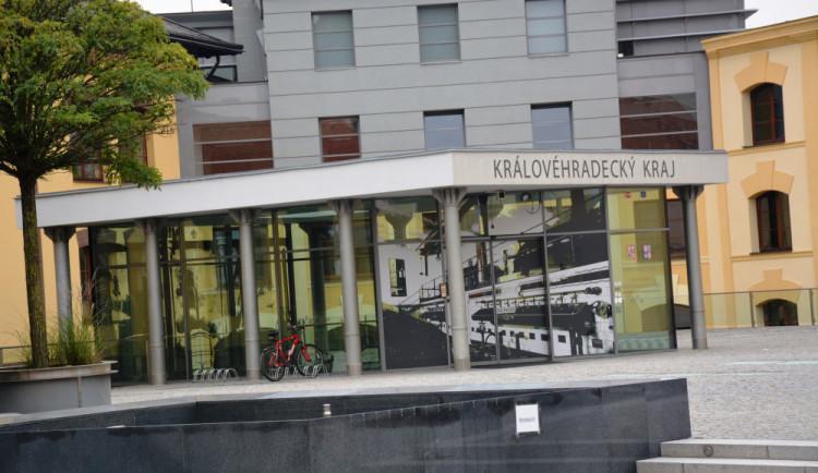 VOLBY 2020: Přehled nových zastupitelů Královéhradeckého kraje. Jsou mezi nimi stálice i úplní nováčci