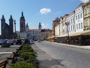 Oprava Velkého náměstí v Hradci Králové začne rekonstrukcí podloubí