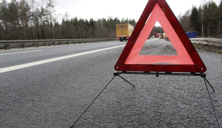 Na silnicích přibylo porouchaných aut, jezdí víc starších vozů