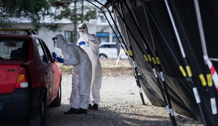 Hejtman kraje má pozitivní test na COVID-19. Počet aktivních případů v regionu se přehoupl přes čtyři tisíce