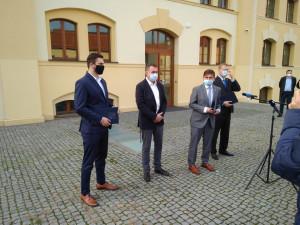VOLBY 2020: V Královéhradeckém kraji byla podepsána koaliční smlouva. Ustavující zastupitelstvo se má konat 2. listopadu