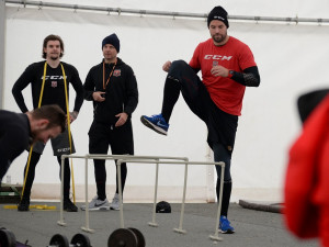 Tým hradeckých hokejistů se vrátil k tréninkům. Na led bude jezdit do Německa