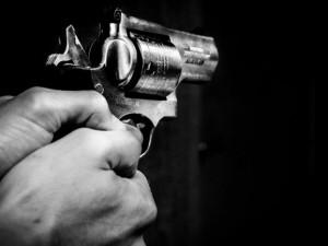 Divoká automobilová honička skončila na Orlickoústecku až výstřely z policejní zbraně