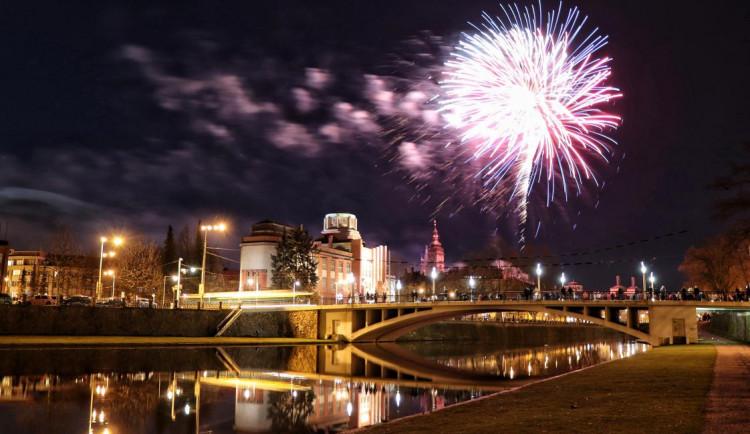 Hradec Králové s vánočními trhy zatím počítá. Novoroční ohňostroj se ale přesouvá