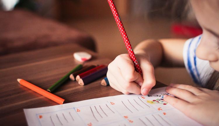 Učitelé středních škol pomůžou v dětských domovech. Řada vychovatelů je totiž v karanténě
