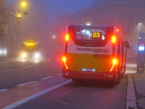 V Hradci Králové začíná jezdit pět nových autobusů MHD. Na cestující budou dohlížet kamery