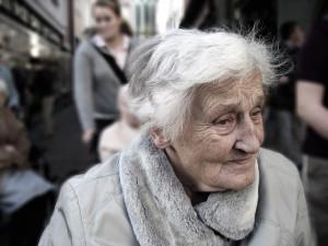 Nabízel seniorům nákup, vzal si peníze, ale pak už se neukázal