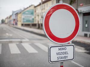 Hradec Králové dokončuje opravy silnic ve městě. Další na řadu přijdou po zimě