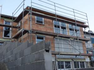 V kraji se letos staví méně bytů i rodinných domů. Hlad po nemovitostech je ale obrovský