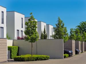 V Hradci Králové vznikne nová ulice se 13 rodinnými domy. Hotovo má být za dva roky