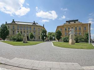 Oprava budovy Filozofické fakulty UHK zatím spolkla 10 milionu korun