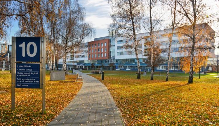 Fakultní nemocnice Hradec Králové začala s postupným obnovováním neakutních příjmů