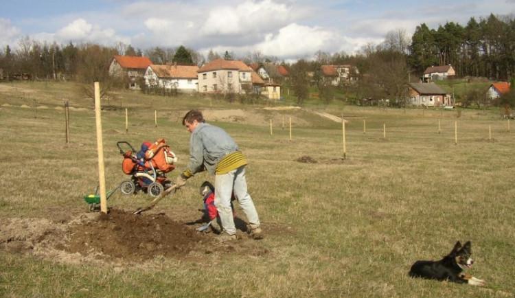 (NE)OBYČEJNÍ: Vykašlali jsme se na práci v Praze a založili si farmu, říkají Susovi. Splnili si tak celoživotní sen