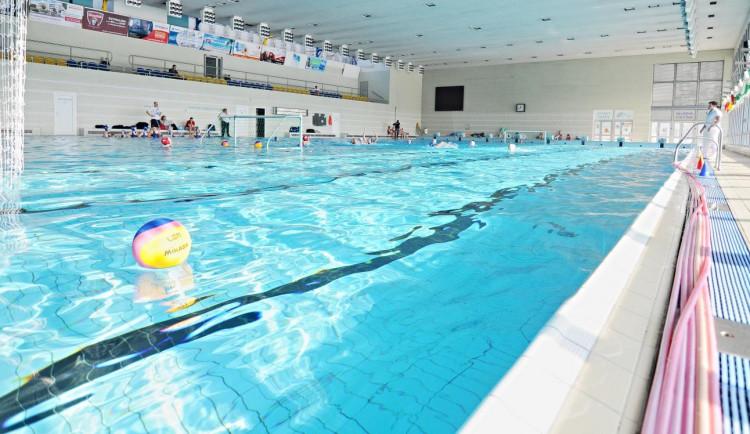 Bazény se v kraji začnou otevírat v sobotu. Bude třeba počítat plavce, kapacita je omezená