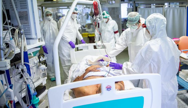 Náchodská nemocnice potřebuje pomoc, vzkazuje na sociálních sítích starosta Náchoda
