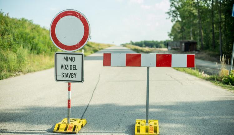 Silnice mezi Zaloňovem a Jaroměří bude kvůli výstavbě dálnice D11 uzavřená