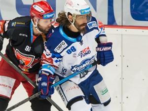 Hokejisté Hradce zvítězili na ledě brněnské Komety. V této sezoně už podruhé