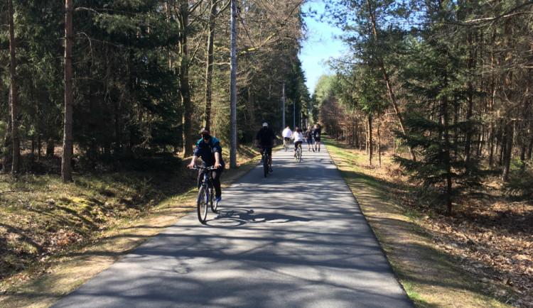 Hradecké lesy zaznamenávají rekordní návštěvnost, lidé jsou ukáznění