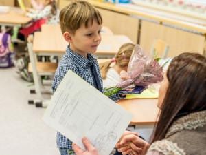 Řada škol bude rozdávat vysvědčení elektronicky. Na to přistoupí i většina hradeckých biskupských škol