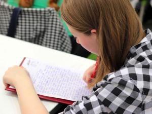 U maturit letos nebudou slohové práce. Na testy budou mít studenti víc času
