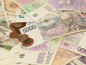 V případě ztráty příjmu omezte zbytné výdaje. Osobní bankrot a oddlužení jsou až posledními možnostmi