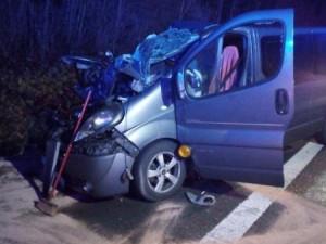 Tragická nehoda uzavřela dálnici D11. K pěti zraněným letěl vrtulník