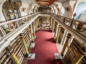 Broumovský klášter chystá na neděli online prohlídku unikátní knihovny