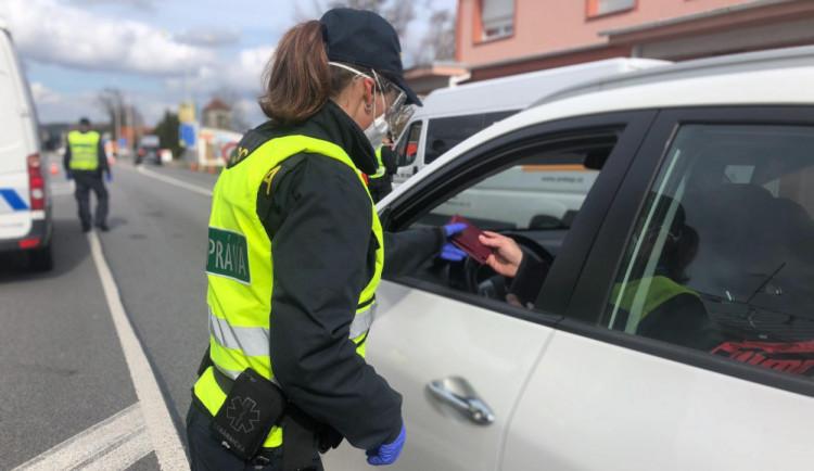 Vláda uzavřela Trutnovsko. Cestování lidí do regionu bude kontrolovat policie