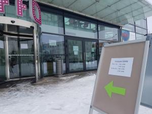 Provizorní testovací centrum v trutnovském UFFU se osvědčilo. Nově bude testovat třikrát týdně