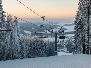 Skicentrum Deštné ukončilo lyžařskou sezonu. Lyžovalo se jen devět dní