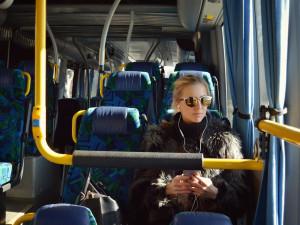 Od pondělí budou jezdit vlaky i autobusy podle prázdninových jízdních řádů
