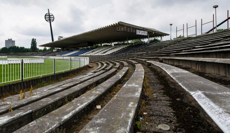Do konce března město zveřejní jméno společnosti, která postaví fotbalový stadion v Hradci Králové