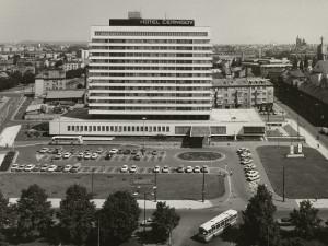 Kdysi byl hotel Černigov chloubou Hradce a lákadlem zahraničních delegací. Teď  je jeho osud zpečetěn