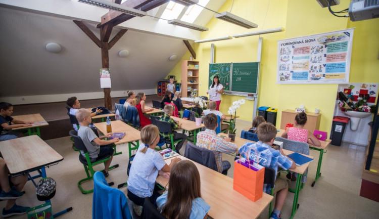 Zajistit výuku podle návrhu ministerstva bude problém, tvrdí ředitel jedné ze škol v Hradci Králové