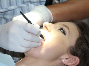 V Meziměstí skončili poslední dva zubaři, lidé musí za péčí o chrup cestovat i sto kilometrů