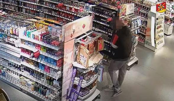 Kradl v Trutnově v drogerii, aby si mohl koupit jídlo a drogy