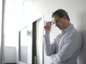 Čtvrtina lidí se podle průzkumu bojí, že přijde o práci a nebude mít na splátky. Nejvíce volných pozic je u ostrahy