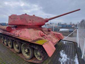 V rámci zbraňové amnestie byl na policii v Královéhradeckém kraji nahlášen tank