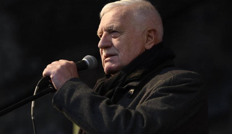 Městský úřad Vrchlabí odložil případ Klausovy cesty na uzavřené Trutnovsko