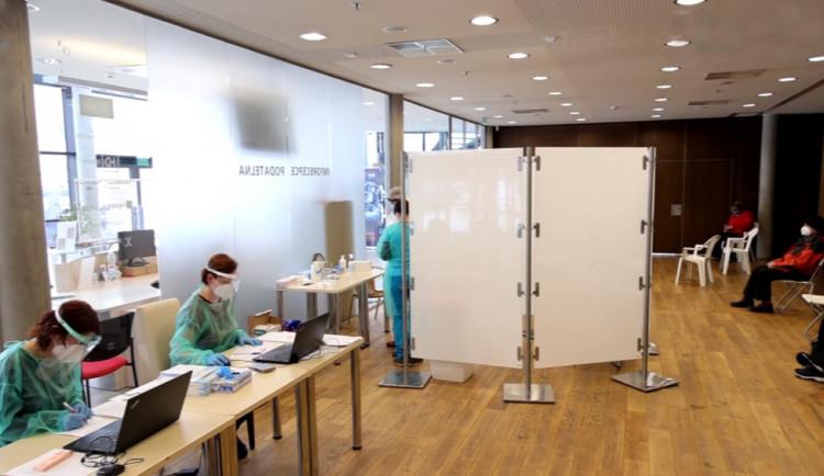 Testovací centrum v trutnovském UFFU končí. Situace v regionu je jedna z nejlepších v ČR