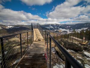 Nad Rokytnicí se tyčí nové vyhlídkové plošiny. Hotové by mohly být do letní sezóny