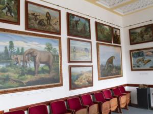 Dvorský Safari Park půjčil obrazy Zdeňka Buriana pro výstavu ve Znojmě