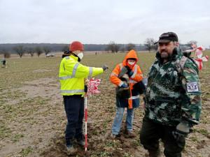 Archeologům při průzkumu budoucích dálnic pomáhají desítky dobrovolníků
