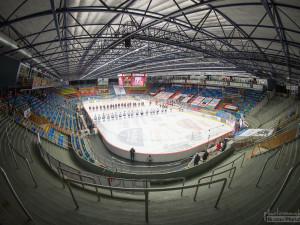 Zimní stadion v Hradci Králové dostane nové mantinely. Jde o podmínku pro konání extraligových zápasů