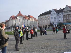 Desítky lidí v Hradci Králové podpořili nezávislost České televize