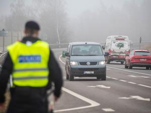 PŘEHLEDNĚ: Policie dnes na desítkách míst v kraji měří rychlost. Kde narazíte na radar?