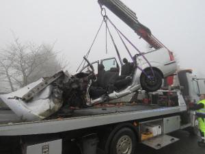 Úterní nehoda na Hradecku má dvě oběti. Dnes zemřelo zraněné dítě