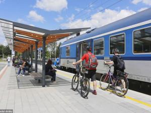 Z vlaku rovnou na kolo. V sobotu otevírají nádražní půjčovny jízdních kol